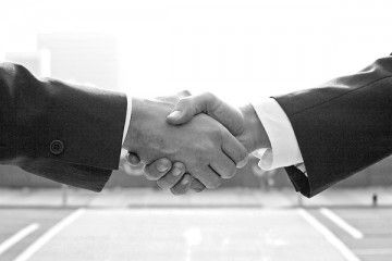 The Art of Selling - handshake2