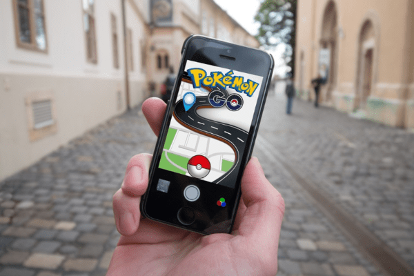 About Everything | Augmented Reality: Better Than Virtual? - pokemon go