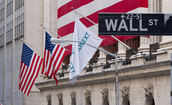 The Earnings Outlook for 5 Big Bank Stocks - ws wi flag